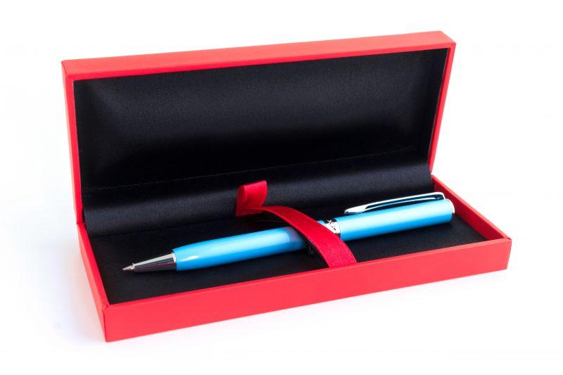 - Strengt forbudt å gi legene kulepenner