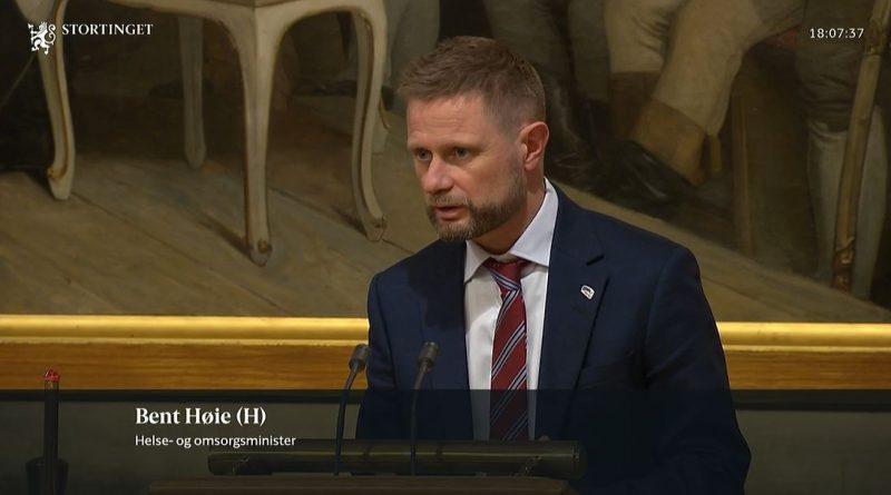 Høie lover å se på CUP-ordningen og Ekspertpanelet